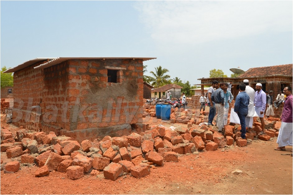 Photos : Compound of home demolished by forest official at Master Colony, Jamia Abad Road, Bhatkal