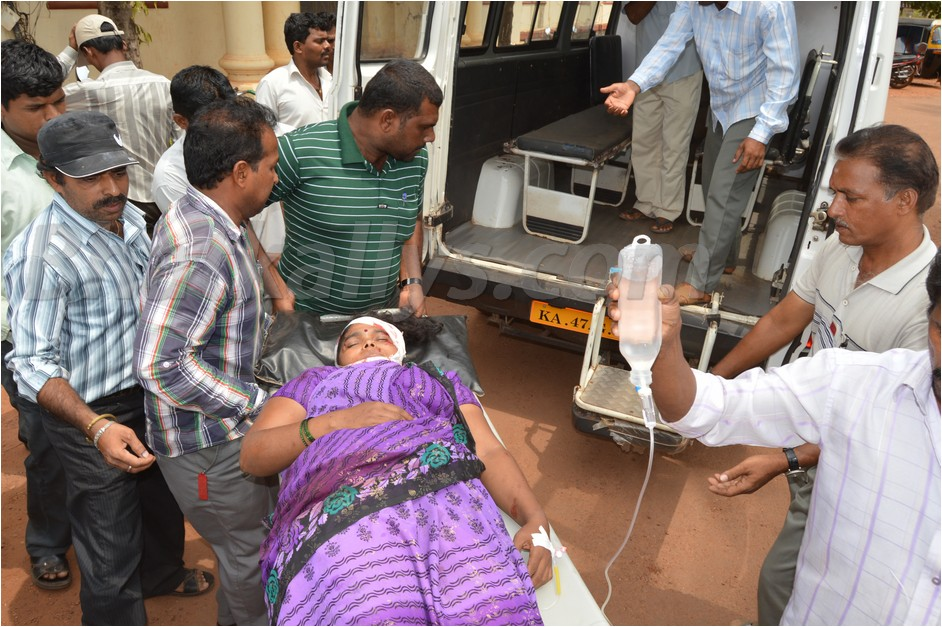 Photos : ZP Member Savita Gonda seriously injured in Road Accident 
