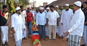 Photos: MLA Mankal Vaidya visits National colony, Murdeshwar, to inspect water shortage problem
