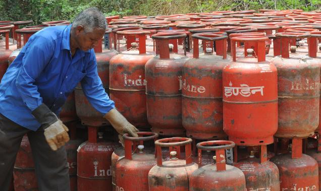 LPG and kerosene price hiked - Bhatkallys.com