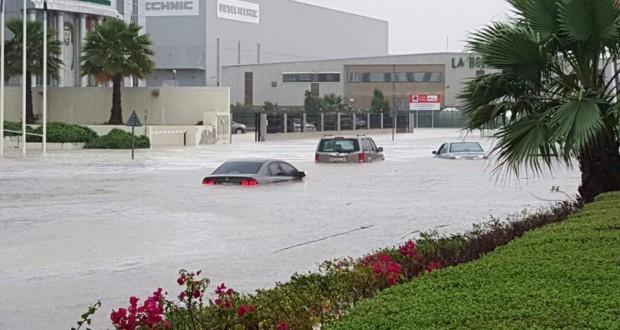 Heavy rain in Dubai, Abu Dhabi, Al Ain    unstable weather