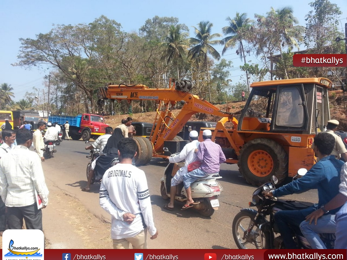 One more road accident on NH 66
